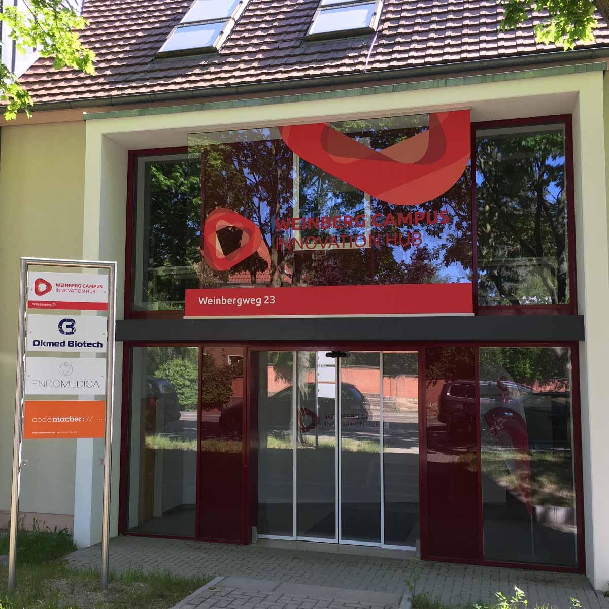 Der Seiteneingang vom Weinberg Campus Innovation Hub